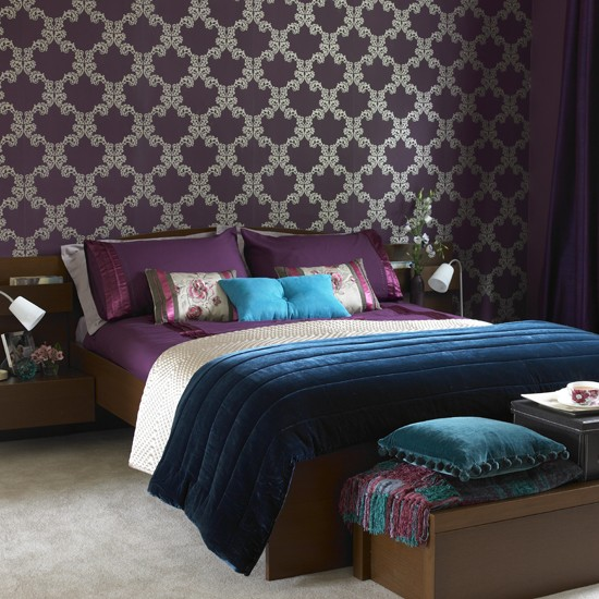 Rich coloured bedroom IH - housetohome