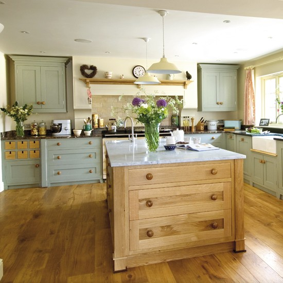 Welcoming country kitchen BK - housetohome
