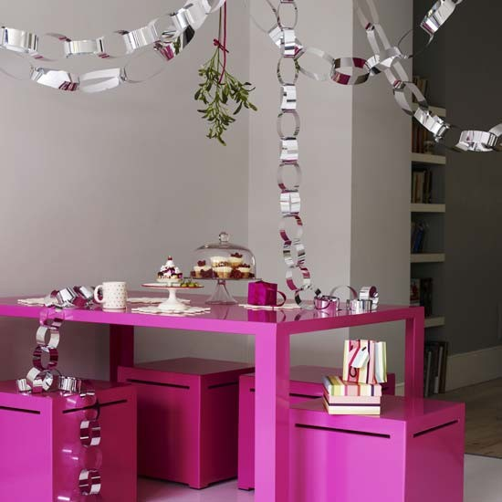 Paper chain Christmas decorations | Modern Christmas decorating ideas | Christmas decorating ideas | Christmas decorations | PHOTO GALLERY | Housetohome.co.uk