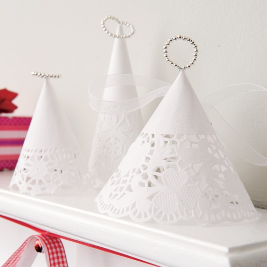 How to make your own christmas decorations for Paper christmas decorations to make at home