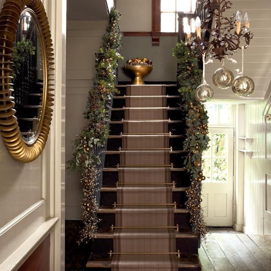 Grand entrance hallway How to decorate your hallway for christmas