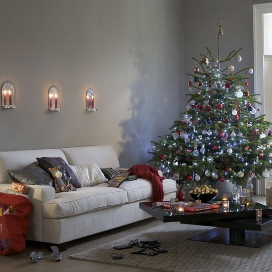 Modern Christmas living room Letc - housetohome