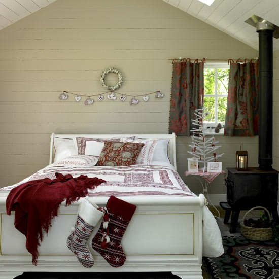 Scandi-chic christmas bedroom CH&I - housetohome