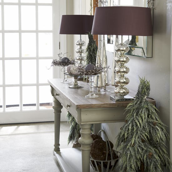 Elegant And Neutral Christmas Foyer: Modern Country Hallway