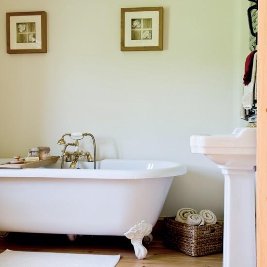 Classic bathroom | Bathroom idea | Bath | Image | Housetohome.co.uk