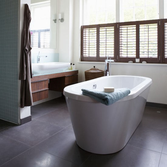 Dark wood bathroom bathrooms bathroom ideas image for Bathroom floor ideas uk