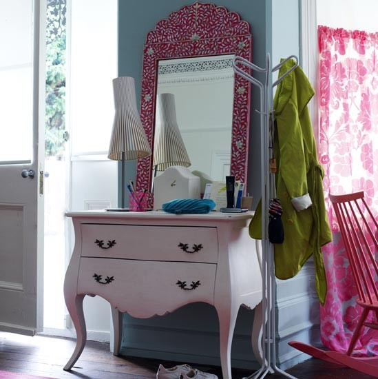 Bubblegum dressing area bedrooms bedroom ideas image for Dressing area in bedroom
