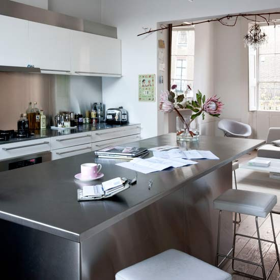 Housetohome Co Uk: Functional Kitchen