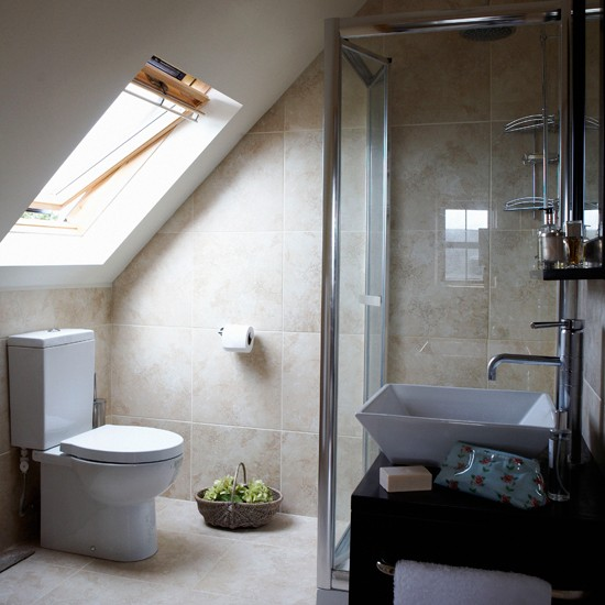 Attic En Suite Bathroom Bathroom Idea Skylight Image