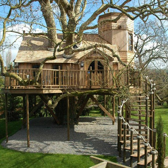 JK Rowling is rumoured to have bought a children's playhouse from Blue Forest