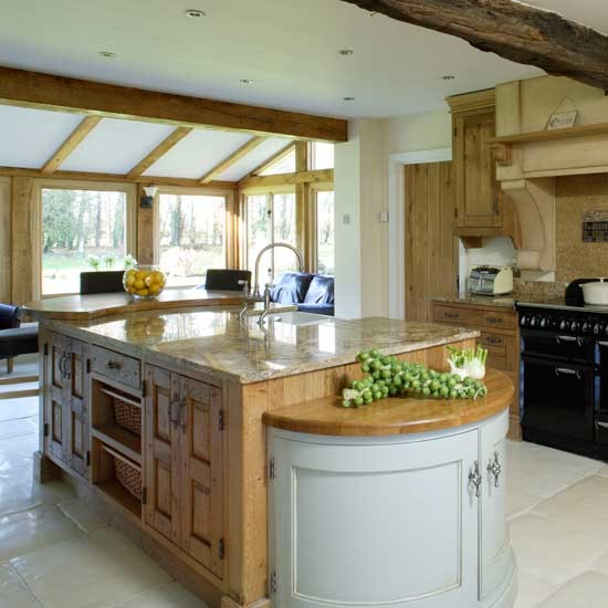 Large Open-plan Country Kitchen
