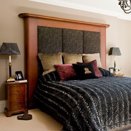 Grand headboard bedroom master bedroom designs for Grand bedroom designs
