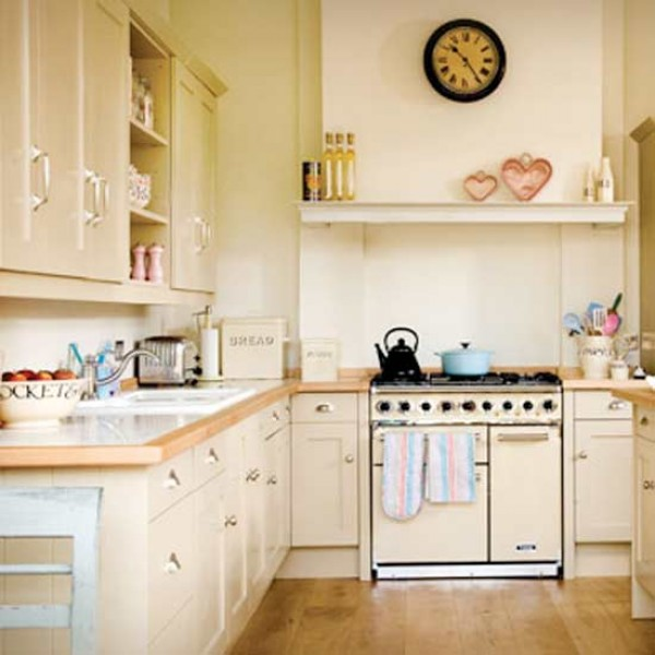 How to plan a country style kitchen select your colour for Country kitchen ideas on a budget