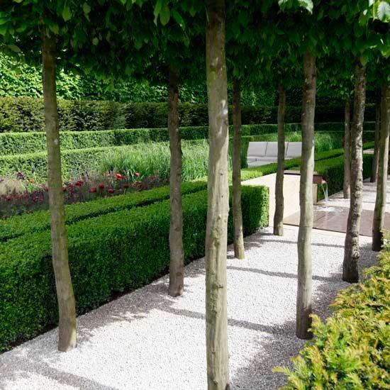 Elegant garden walkway | Chelsea flower show | Image | Housetohome