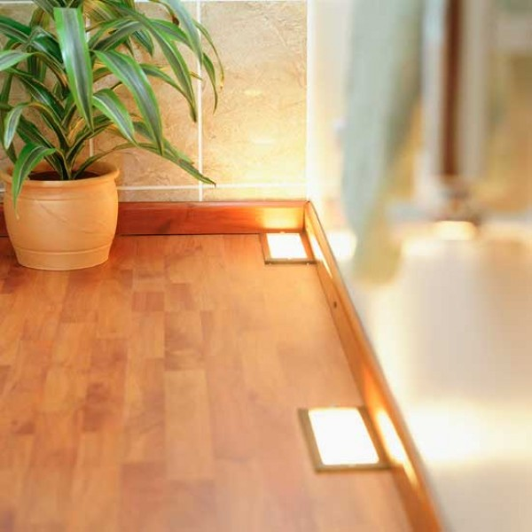 How to buy laminate flooring how to lay laminate for Diy laminate flooring