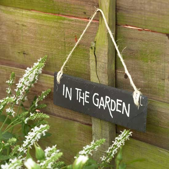 Vintage garden sign | Garden idea | Country garden | PHOTO GALLERY | Housetohome.co.uk