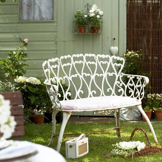 Love seat | Garden idea | Country garden | PHOTO GALLERY | Housetohome.co.uk