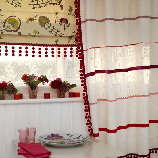 Folk curtain trims