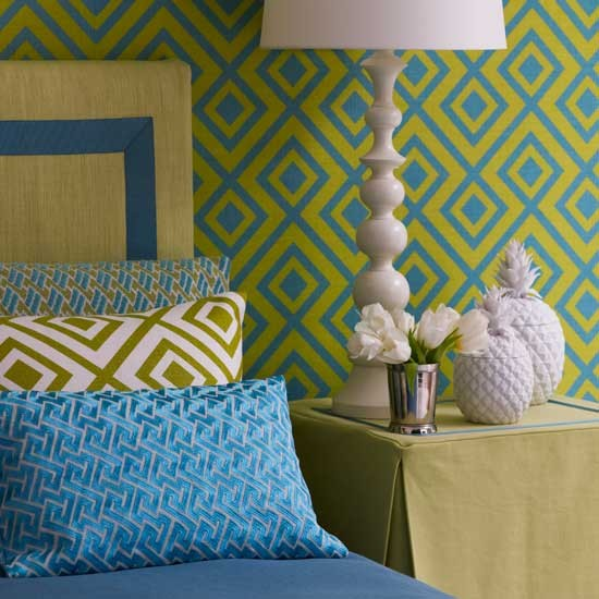 Sixties style bedroom bright bedroom designs bedrooms for Bright bedroom wallpaper