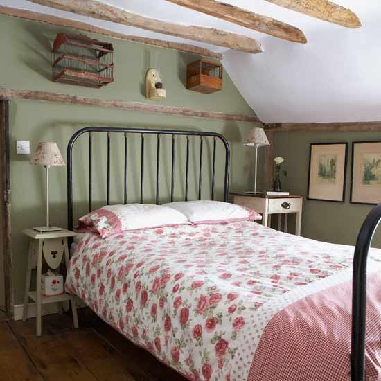 Pretty country bedroom bedroom designs bed for Bedroom ideas country