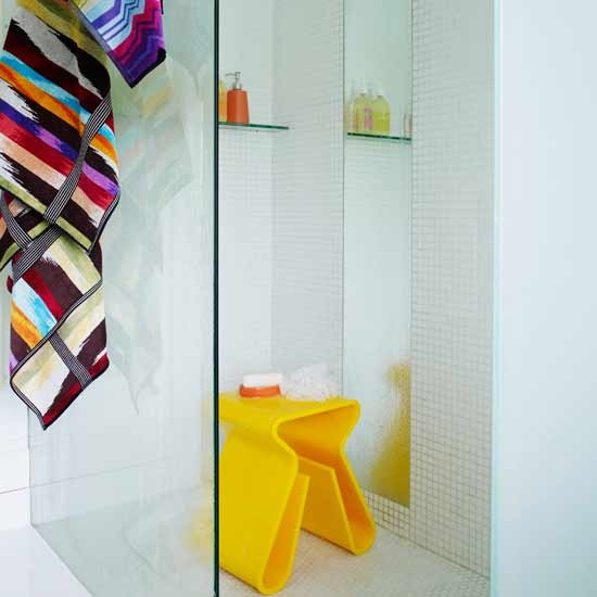 Bathroom with colourful accents | Bathrooms | Decorating ideas | Image | Housetohome