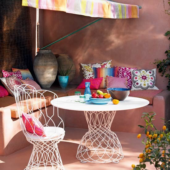 Exotic corner outdoor seating area | Gardens | Decorating ideas | Image | Housetohome