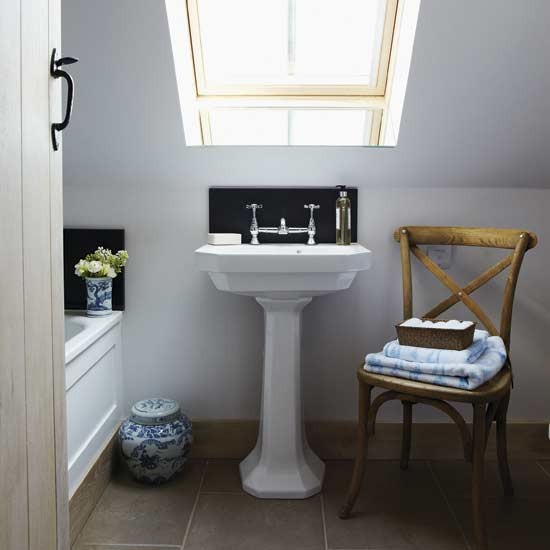 Traditional attic bathroom | Small bathroom design ideas | Bathroom decorating ideas | Bathroom storage | PHOTO GALLERY | Housetohome