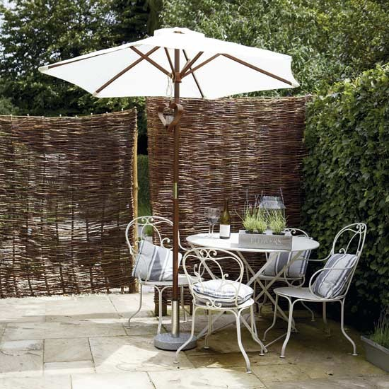 Use a modern garden screen