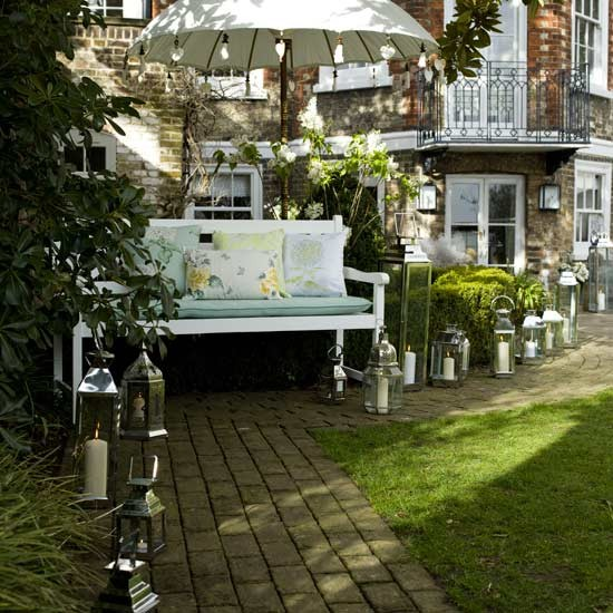 Country bathroom decor sets - Garden Pathways Create An Elegant Look For Outdoor Entertaining