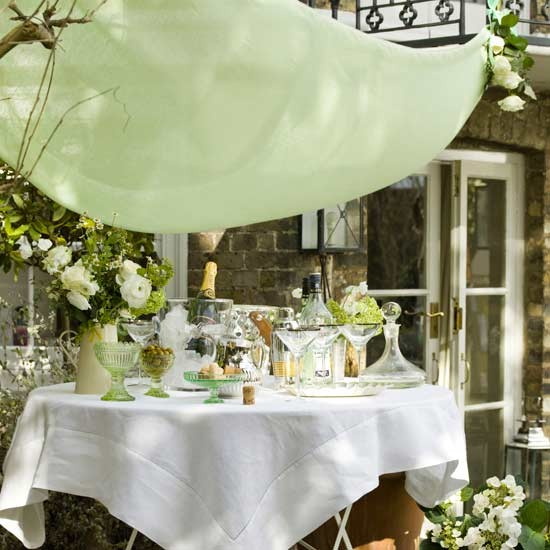 Create an elegant look for outdoor entertaining for Outdoor cocktail party decorating ideas