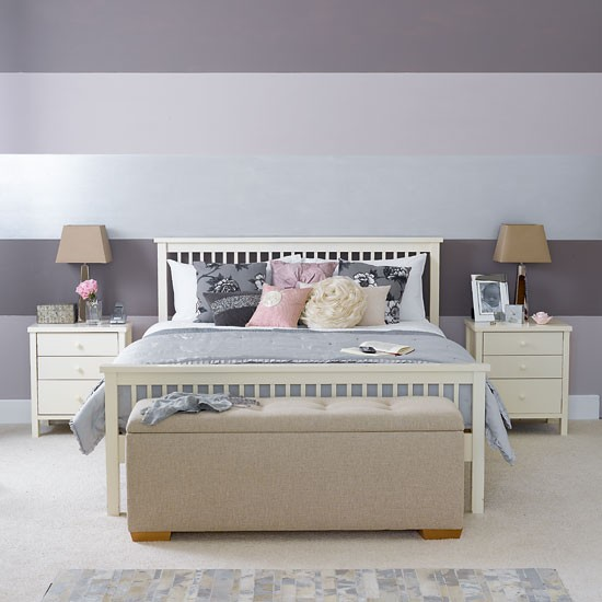 Six ways with feature walls - Striped bedroom