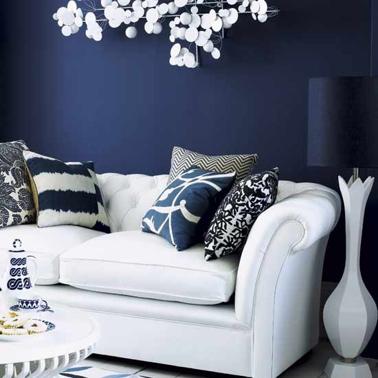 Play with dark colours on the wall design ideas for Navy blue and white living room designs
