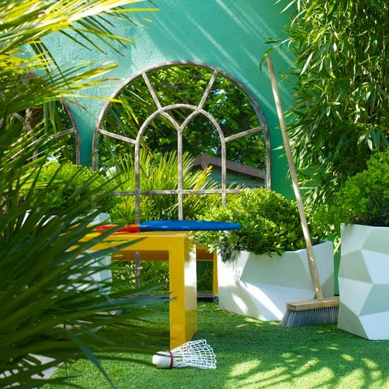 Outdoor room with mirror detail outdoor rooms design for Outside rooms uk