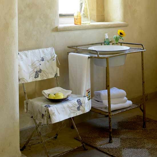Italian style washroom bathrooms decorating ideas for Washroom decor ideas