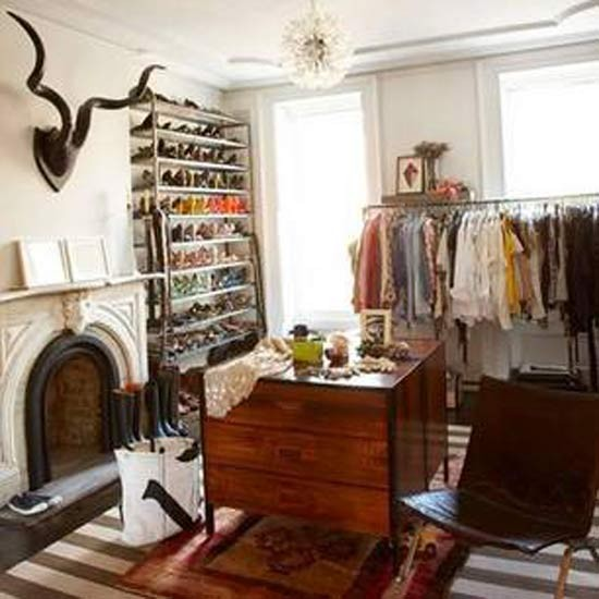 Quirky dressing room hallway new york room design for Quirky bedroom ideas