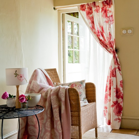 Country Cottage Kitchen Curtains: Curtains - Country Cottage Decorating