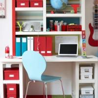 Teen's study area