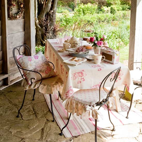 Alfresco country dining