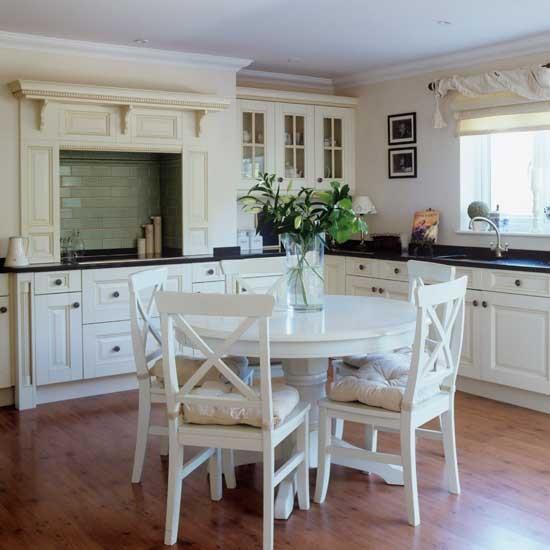 traditional shaker kitchen shaker kitchens kitchen
