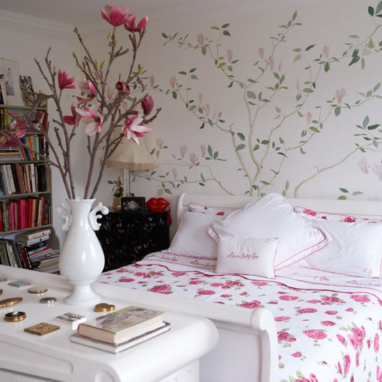 Floral bedroom decorating ideas from lulu guinness for Bedroom ideas victorian terrace