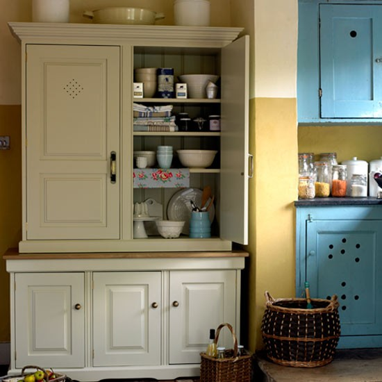 Choose a classic cupboard how to create a country style for Perfect country kitchen