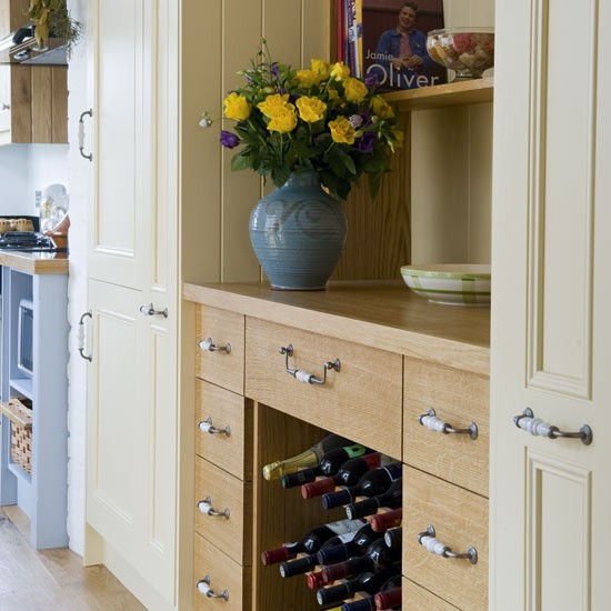Country kitchen | Kitchen storage ideas | Country-style kitchen | PHOTO GALLERY | Housetohome.co.uk
