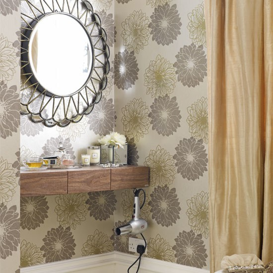 Alcove dressing table- image- housetohome.co.uk