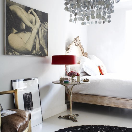Eclectic Bedroom Design Ideas Red Lamp