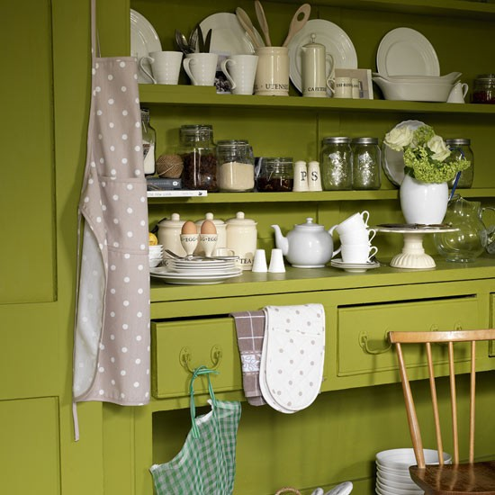 Update Your Kitchen On A Budget: Liven Up Your Scheme With Accessories