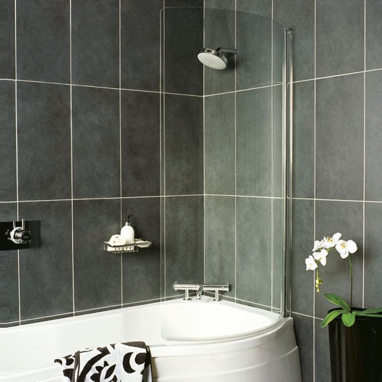 4 bathroom decorating solutions for small spaces for Small bathroom solutions