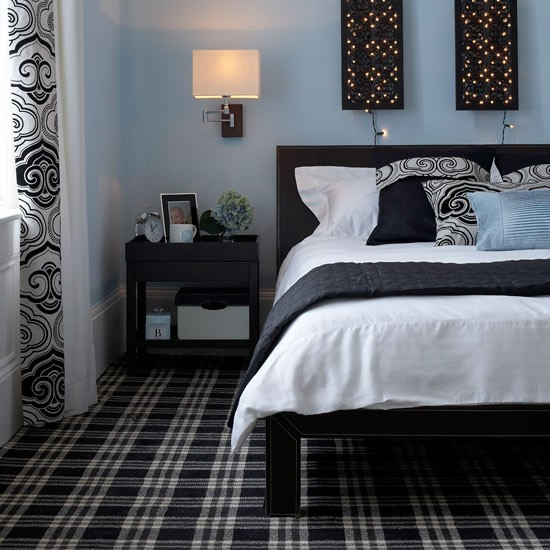Scottish-style bedroom with patterned carpets | Hotel style