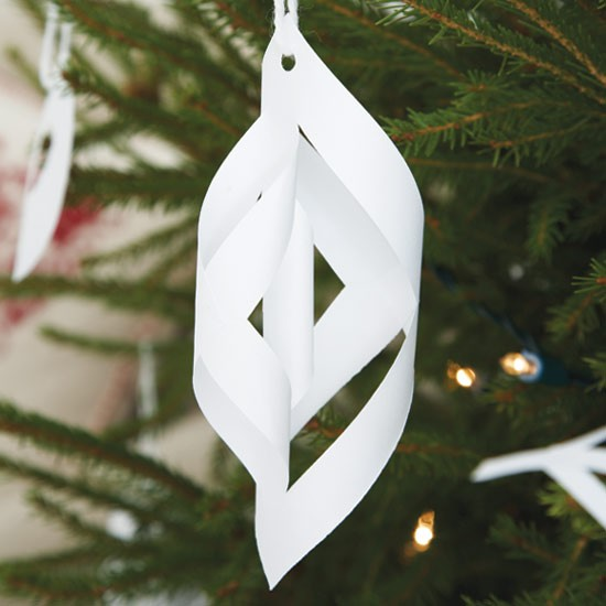 Delicate teardrop how to make christmas decorations for Paper christmas decorations to make at home