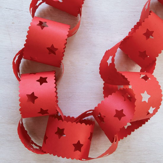 Decorative paperchains how to make christmas decorations for How to make paper christmas decorations at home
