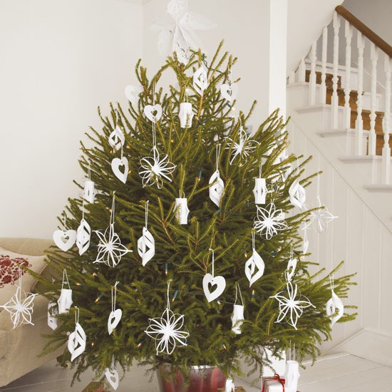 Decorate Christmas Tree On Paper : Keeping the christmas spirit alive days of